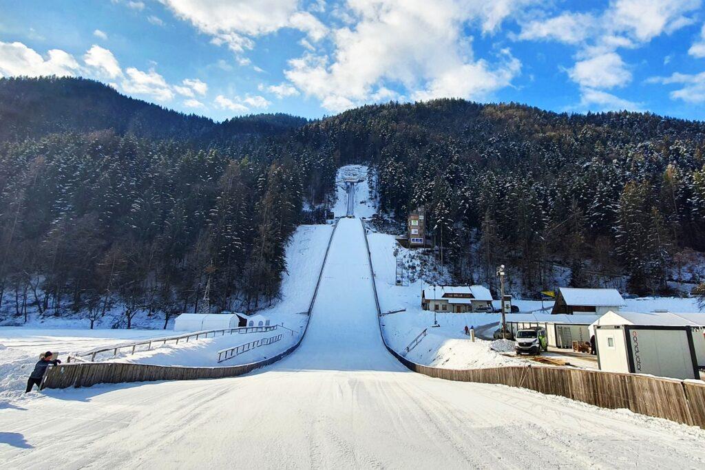 Read more about the article Turniej Sylwestrowy przełomem w kobiecych skokach narciarskich?