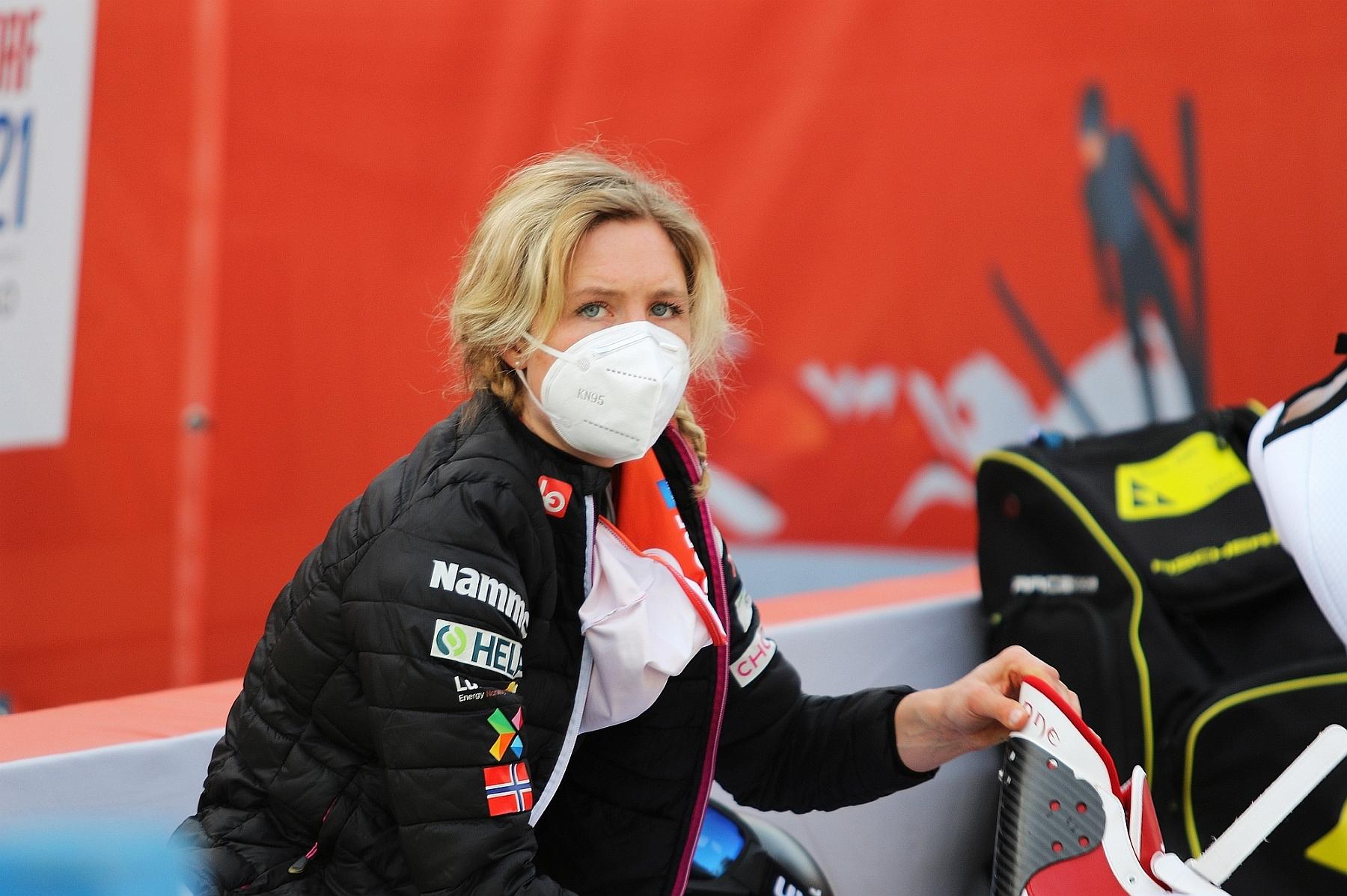 You are currently viewing Echa decyzji Maren Lundby. Zaburzenia odżywiania i waga problemem w skokach narciarskich