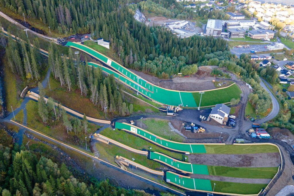 Read more about the article Nowy kompleks skoczni w Norwegii otwarty. W Mo i Rana pojawili się kadrowicze Stöckla