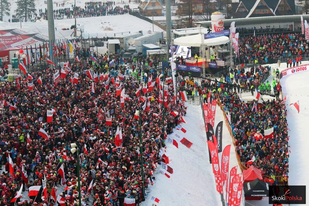 Read more about the article Znamy ceny biletów na Puchar Świata w Zakopanem 2022. Kiedy ruszy sprzedaż?