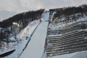 Okurayama w Sapporo powiększona… tylko na zimę! Jak to możliwe?