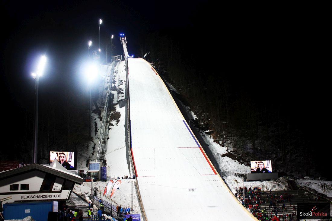 PŚ Oberstdorf: Czas na niedzielne loty, czy Stoch znów wskoczy na podium? (LIVE)