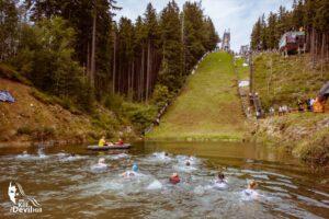 """Kill the Devil Hill"" – ekstremalny bieg na skoczni w Karpaczu już niebawem! (FOTO)"